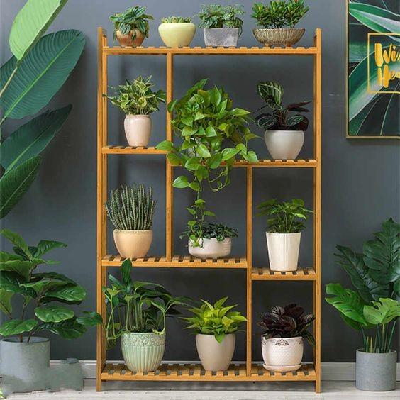 12 Desain Rak Bunga untuk Dekorasi Rumah Makin Indah ...